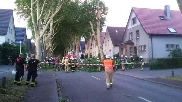 https://www.feuerwehr-lippstadt.de/grafiken/image.php?width=600&height=450&image=/grafiken/einsaetze/6523/sued7.jpg